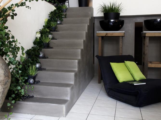Treboux fr res s rl b ton cir for Peinture pour escalier en beton